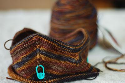 Spinning And Norwegian Baby Hat Pattern | Hello Yarn